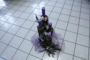 Upaljena prva adventska svijeća
