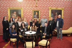Studenti V. godine posjetili nadbiskupa Đuru Hranića